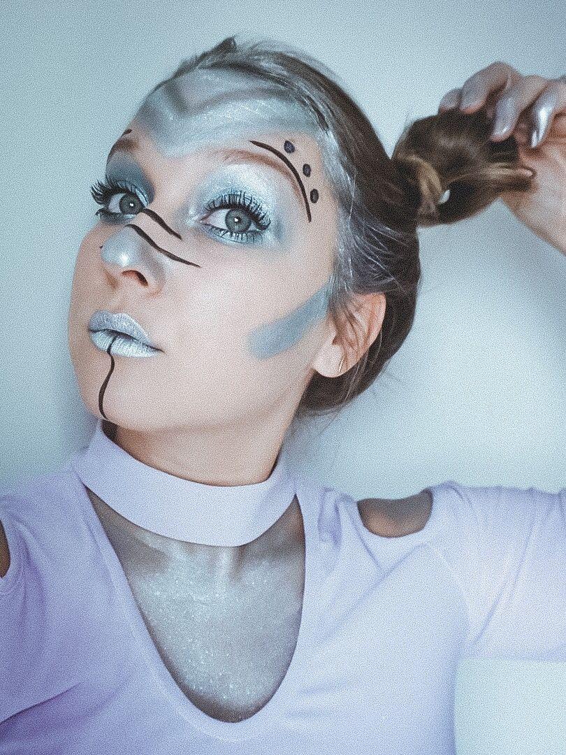 6 Last Minute Halloween Costumes Alien makeup, Alien