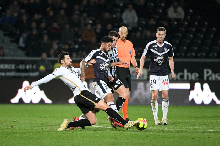 Girondins de Bordeaux Otavio a signé une prolongation de