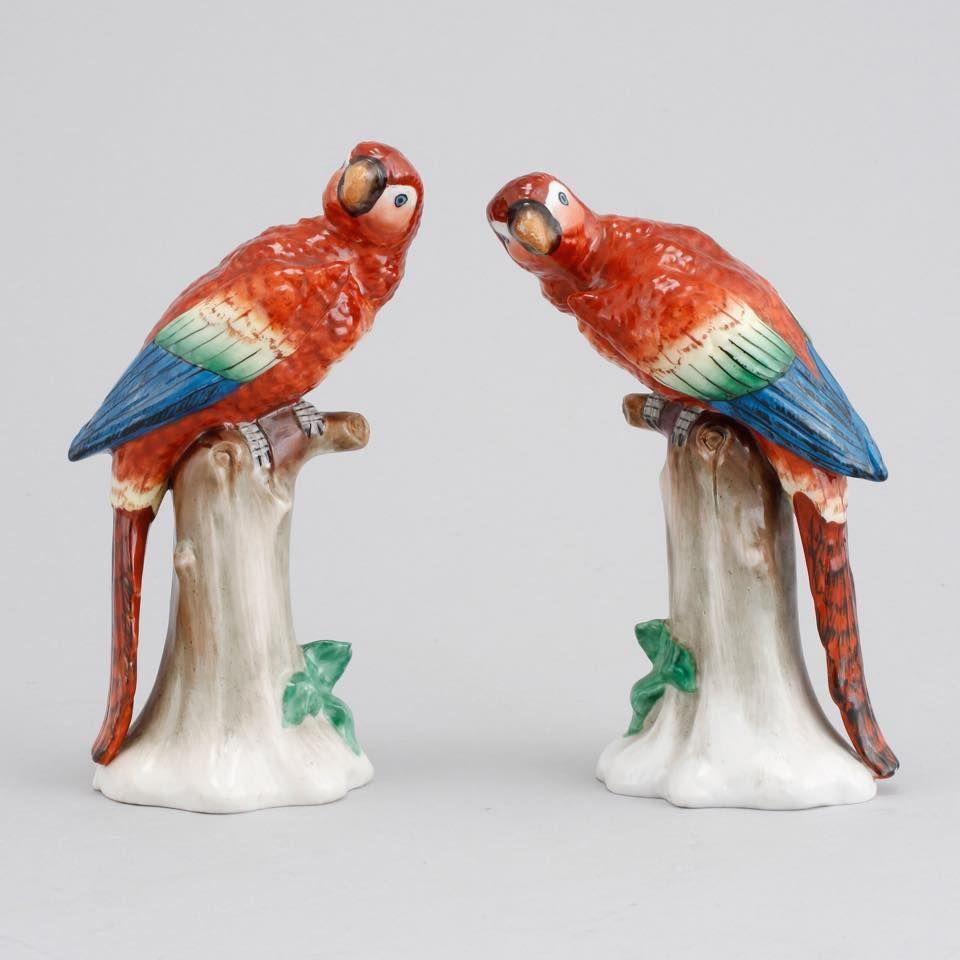 Par de papagaios em porcelana Alema do sec.20th, 18cm de altura, 1,125 USD / 1,020 EUROS / 4,215 REAIS / 7,320 CHINESE YUAN soulcariocantiques.tictail.com