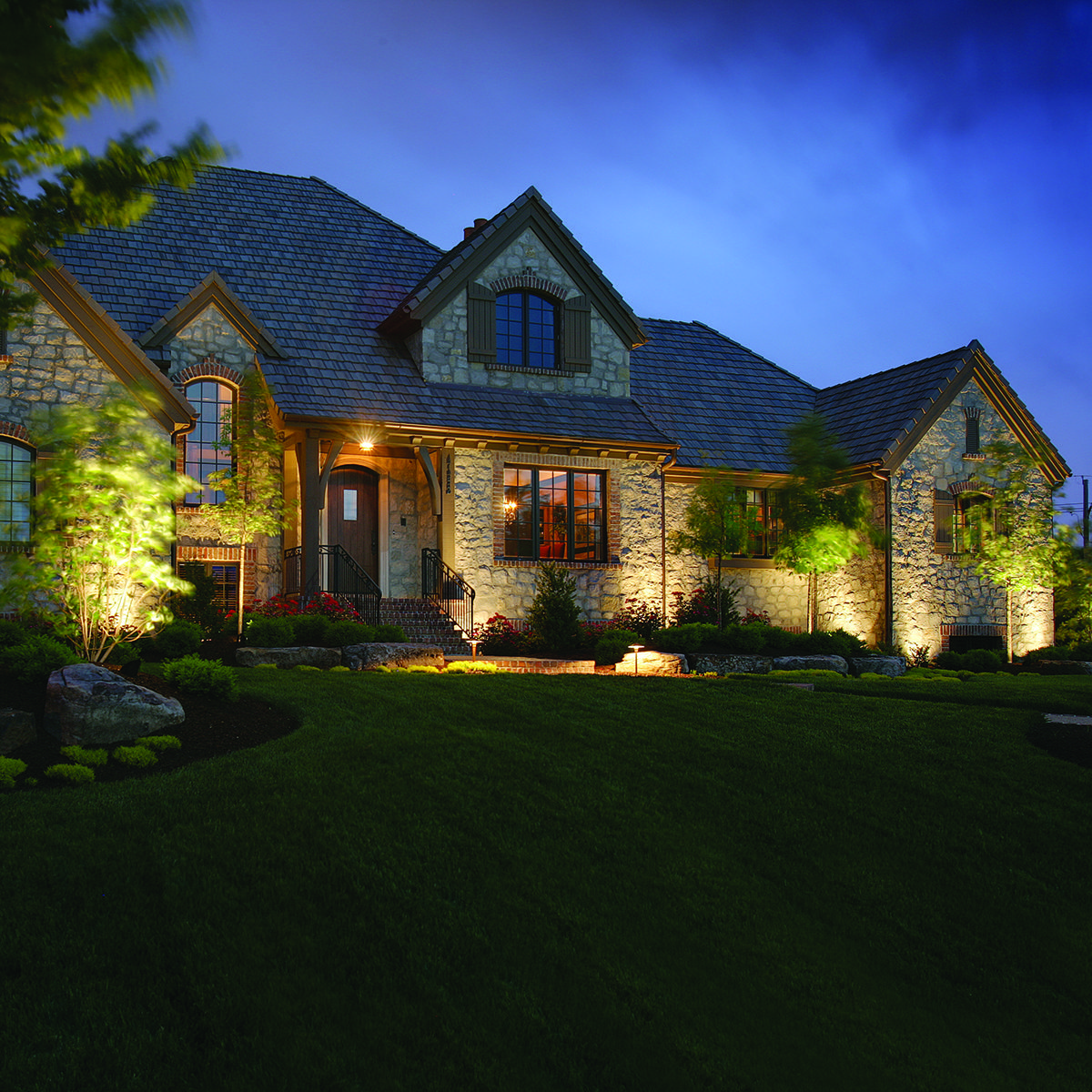 Low-Voltage Outdoor Lighting #landscapelightingdesign