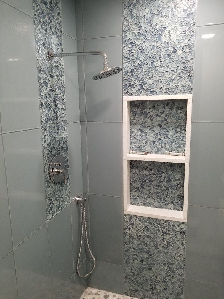 Pin By Erica Kopchinski On Redo Bathroom In 2020 Glass Shower