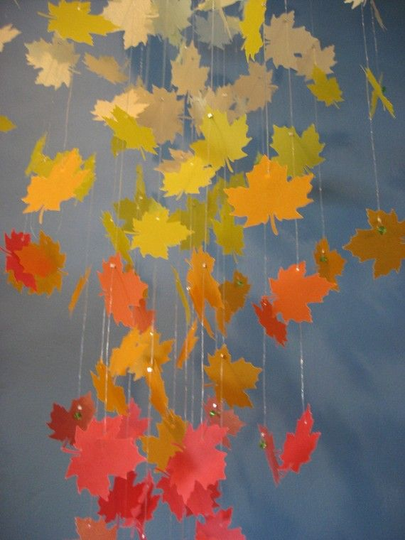 Autumn leaves paper chandelier mobile large herbst for Herbst mobile basteln kindern