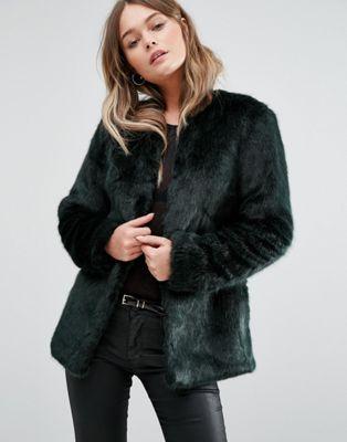 New Look - Manteau sans col en fausse fourrure   FAUSSE fourrure bf76a0111a2b