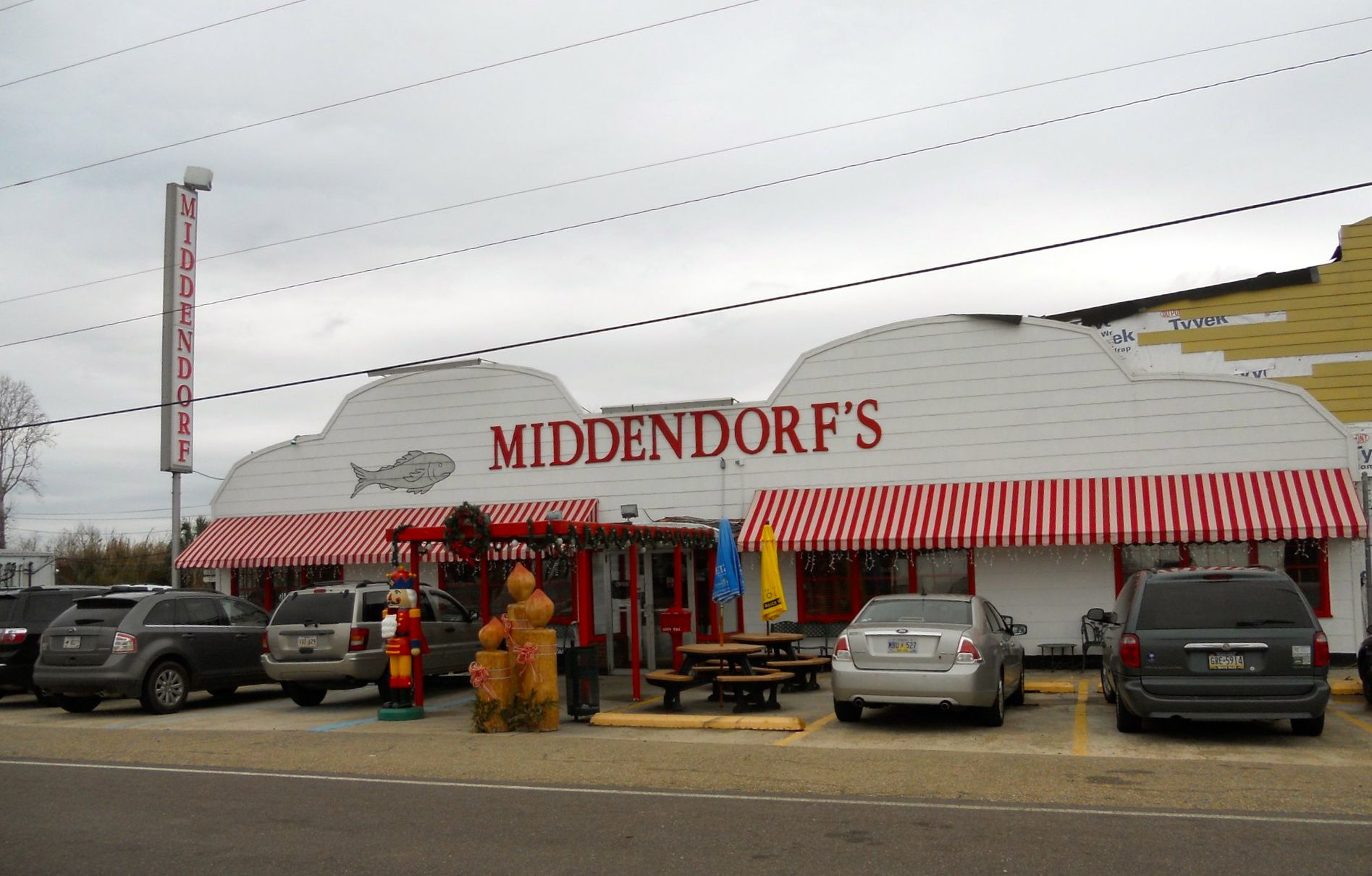 Not Exactly In New Orleans But Middendorf S Seafood Restaurant Hammond La Was Far From My College Slu Thin Fried Catfish Is Their Speciality