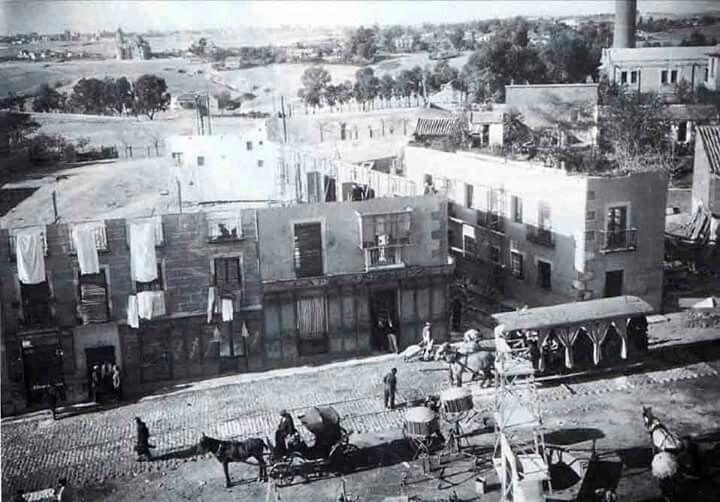 """Rodaje de """"La Verbena de La Paloma"""" junto a los Estudios CEA en 1935."""