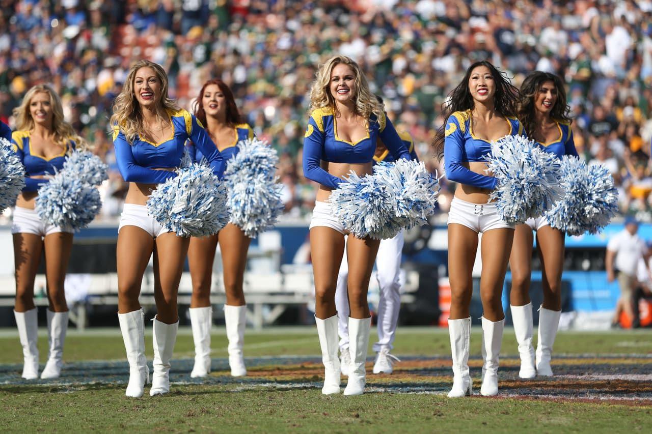 Cheerleaders upskirt pussy shot pics
