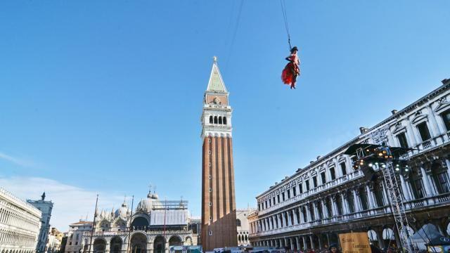 en Venecia ( el vuelo del ángel)