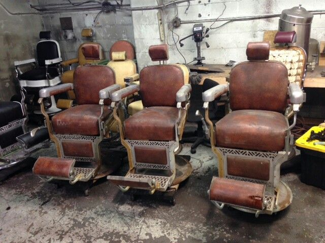 MANY ANTIQUE BARBER CHAIR SETS AVAIL. NEW CUSTOM BARBER CHAIR RESTORATION  LOCATION. 134A Toledo