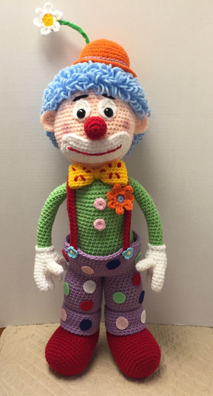 Arlo the clown | Häkeln, Gehäkelte puppen und Puppen