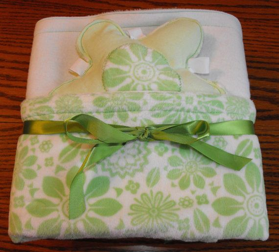 Large blanket in minky and flannel, reversible, green flowers on white minky, taggie toy, nursery bedding, baby blanket, flannel blanket on Etsy, $30.00