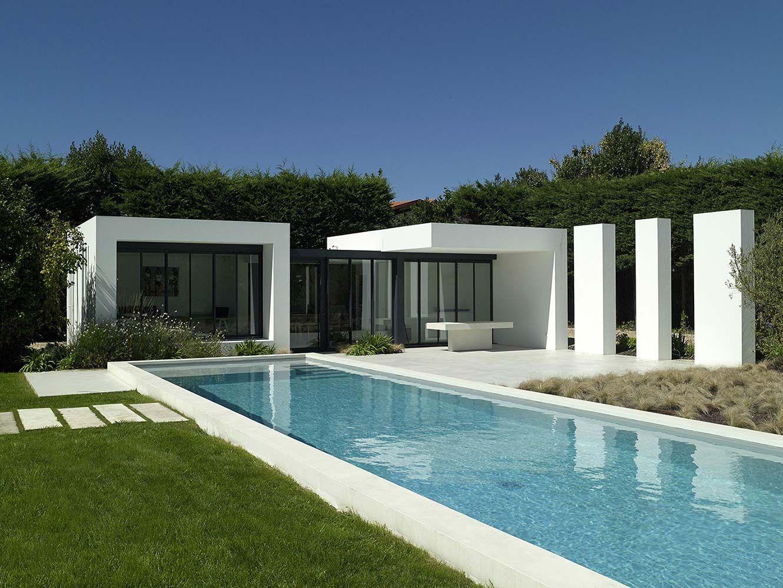 paradis aquatique couloir de nage caillebotis et margelle. Black Bedroom Furniture Sets. Home Design Ideas