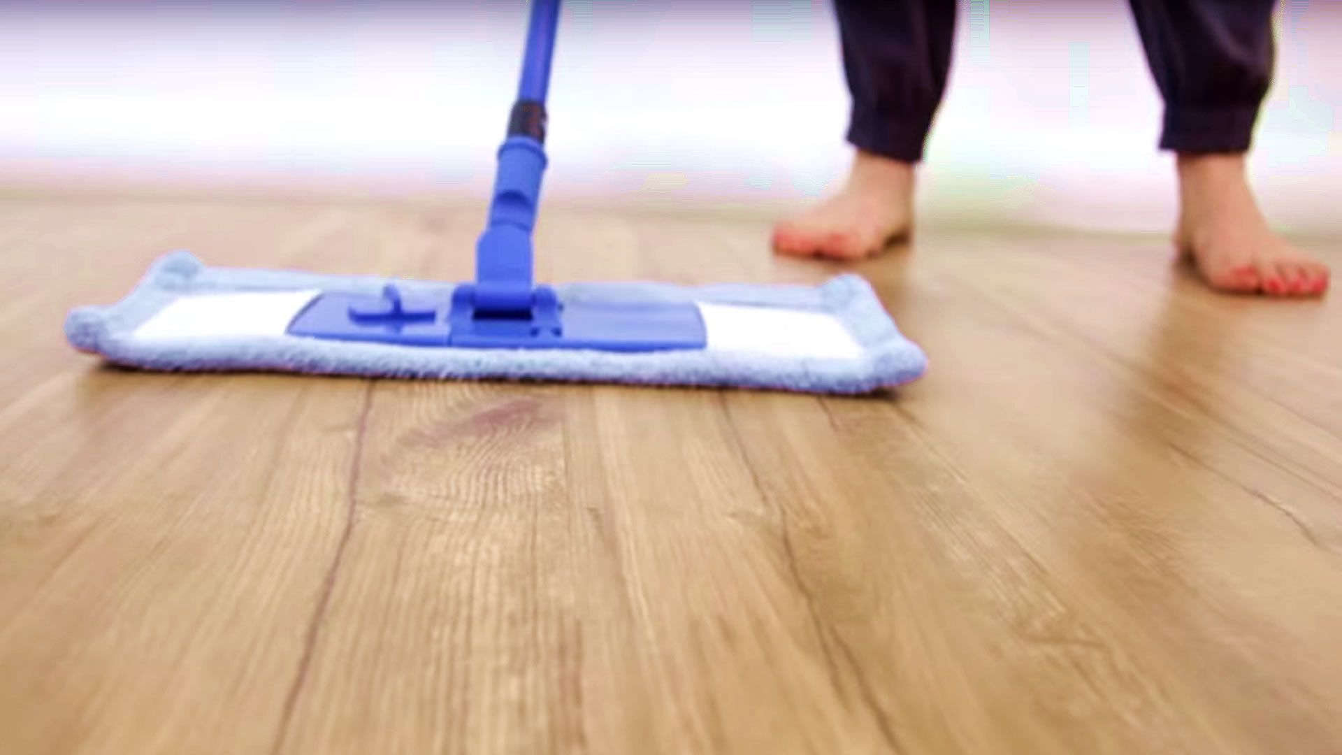 Bamboo floors oftentimes look streaky and hazy after being cleaned