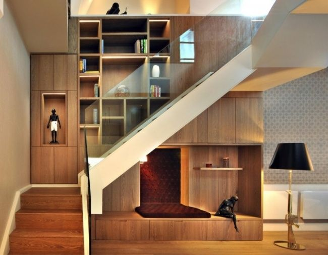 treppe design wohnwand leseecke stauraum unter glas gel nder raumdesing pent house. Black Bedroom Furniture Sets. Home Design Ideas
