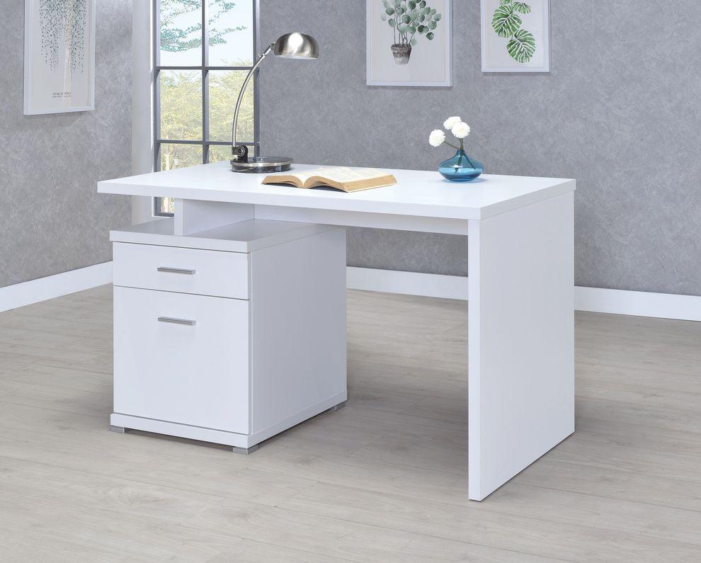 Irving White Desk 800110 Coaster Furniture Office Desks White Desk Office White Executive Desk Office Desk