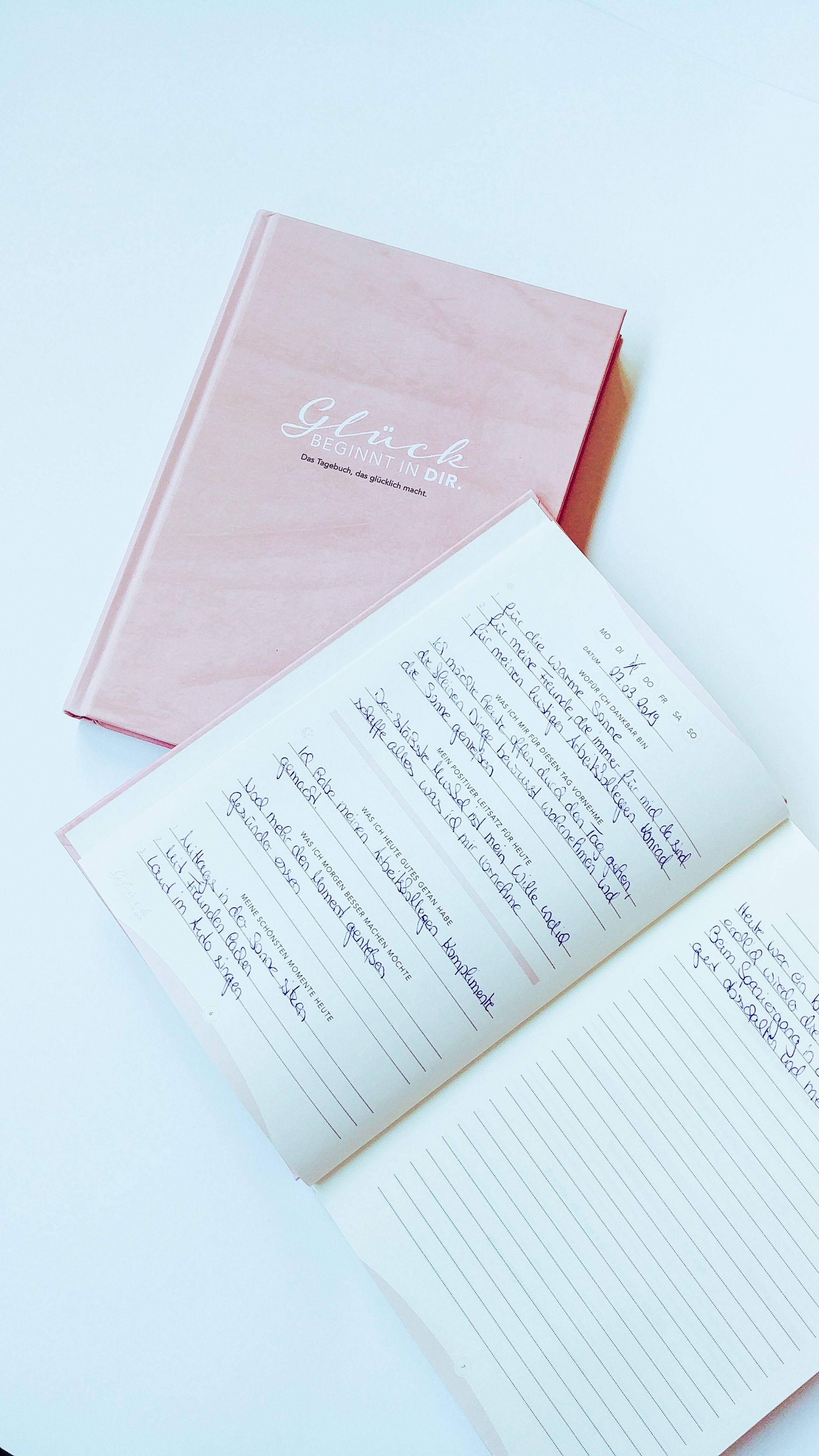 Das 6 Minuten Tagebuch Begleitet Dich 12 Wochen Lang Fur Mehr Gluck Positivitat Dankbarkeit Und Erfolg Tagebuch Gluck Und Gluckstagebuch