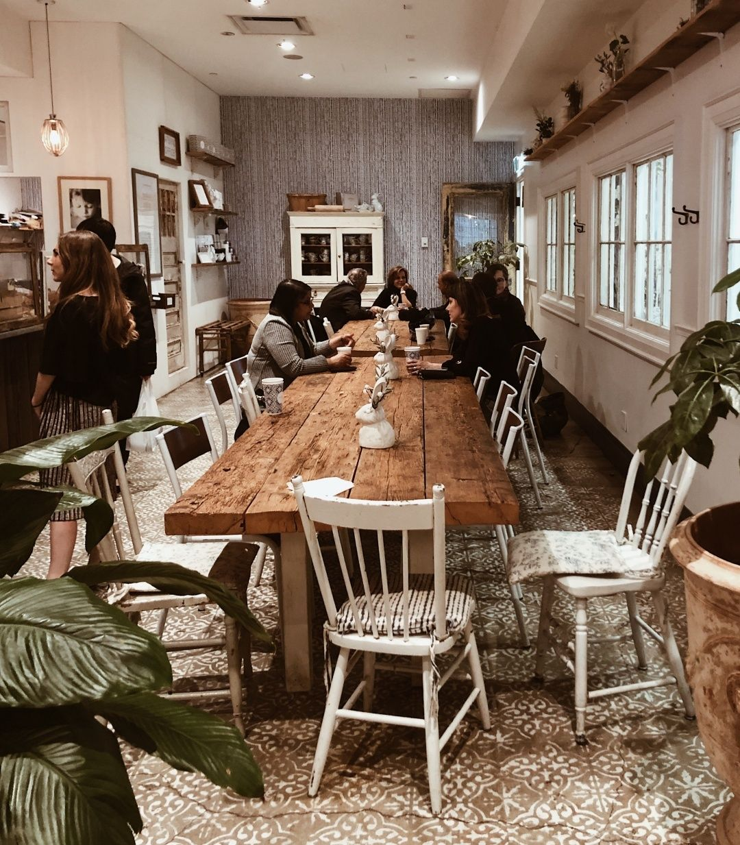 Here S To Cute Coffee Shops Because Lord Knows I Had A Lot Of Coffee Today I Ve Always Wanted To Check Out Mamanny Cute Coffee Shop Coffee Today Get One