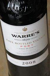Do YOU love Portwines?  I do! And I love this one…. Warre's LBV 2008!  Read on…  http://www.wijngekken.nl/2014/12/10/warres-lbv-2008-porto-portugal/