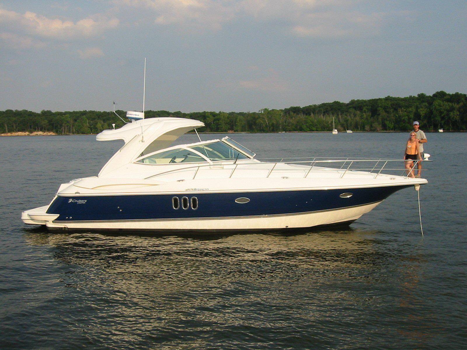 2005 Cruisers Yachts 400 Express   Shady side, Used boats ...