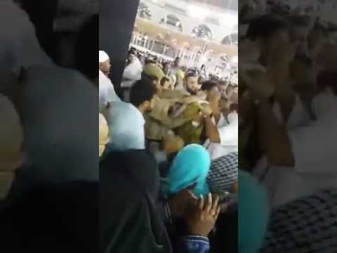 Video Saudi Man Tries To Set Himself On Fire In Front Of Kaaba Middle East Eye With Images Saudi Men Entertainment Region
