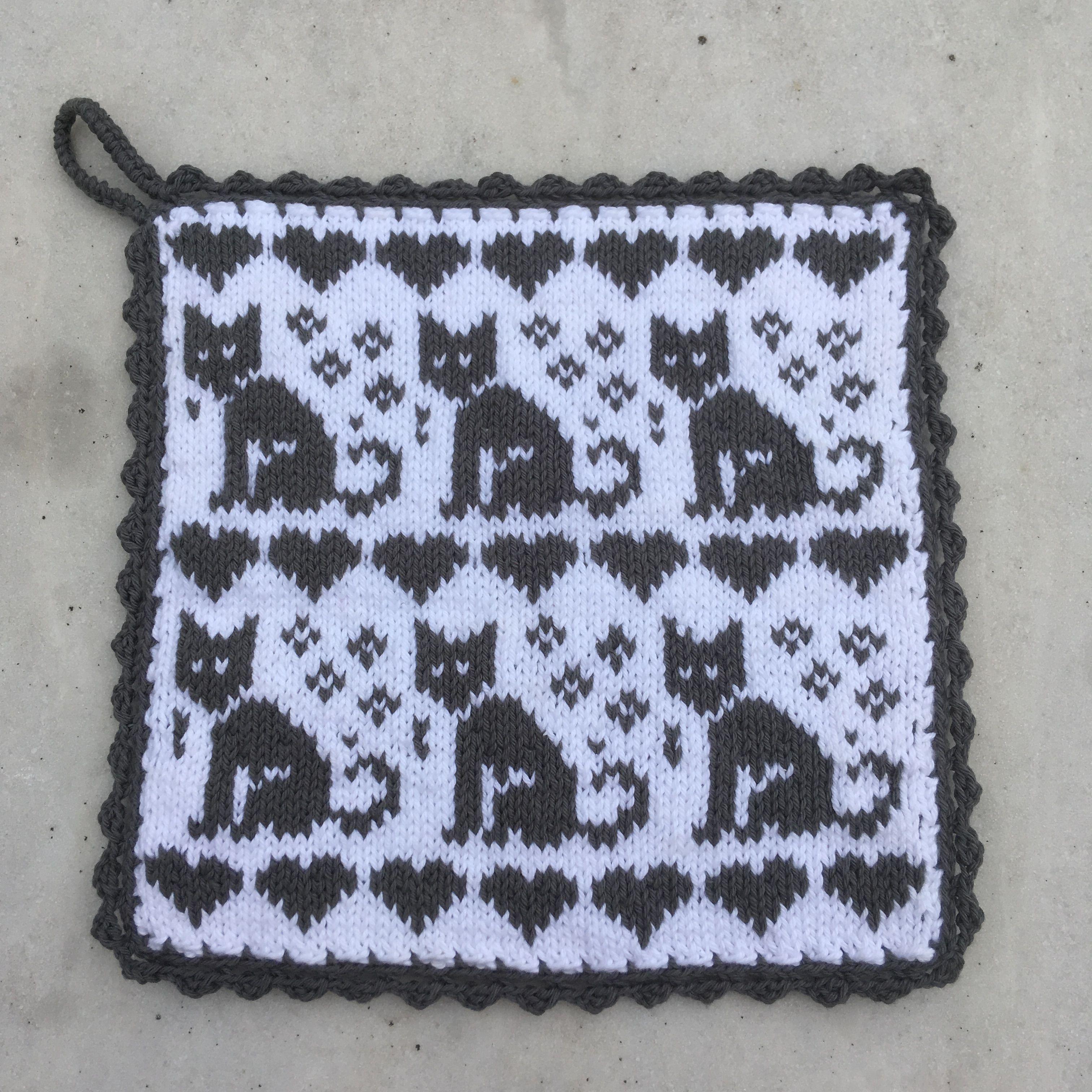 Stickad Grytlapp Med Katter I 2020 Filet Crochet Charts Strikkeoppskrift Gratis Strikkeoppskrifter