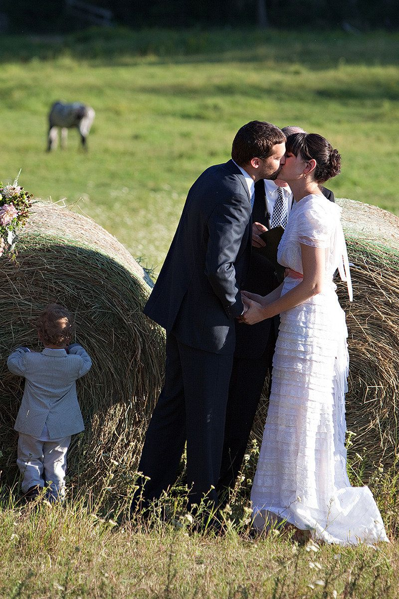 I love it, I want a country wedding. In the feild next to hay or in a rustic barn.