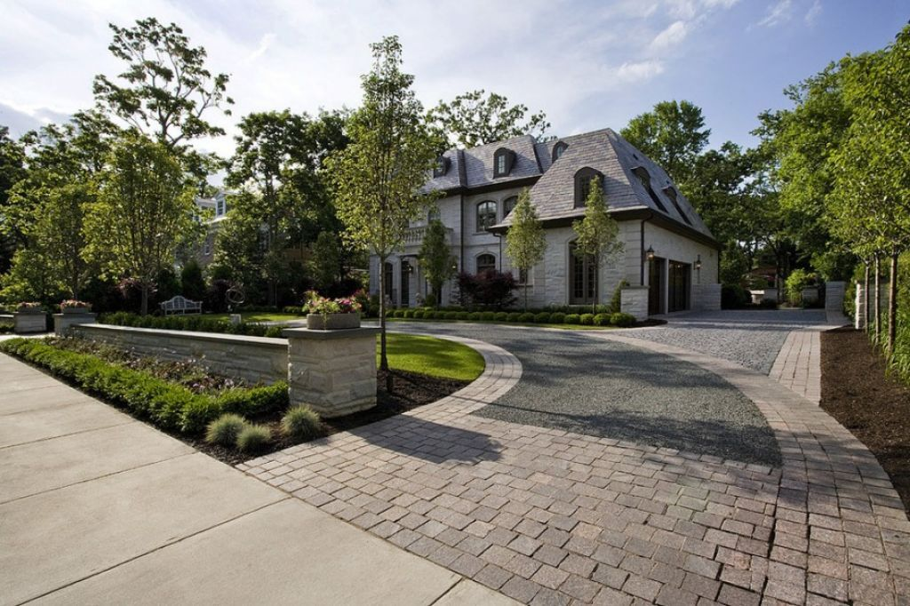 Front Yard With Semi Circular Driveway And Trees | House exterior ...