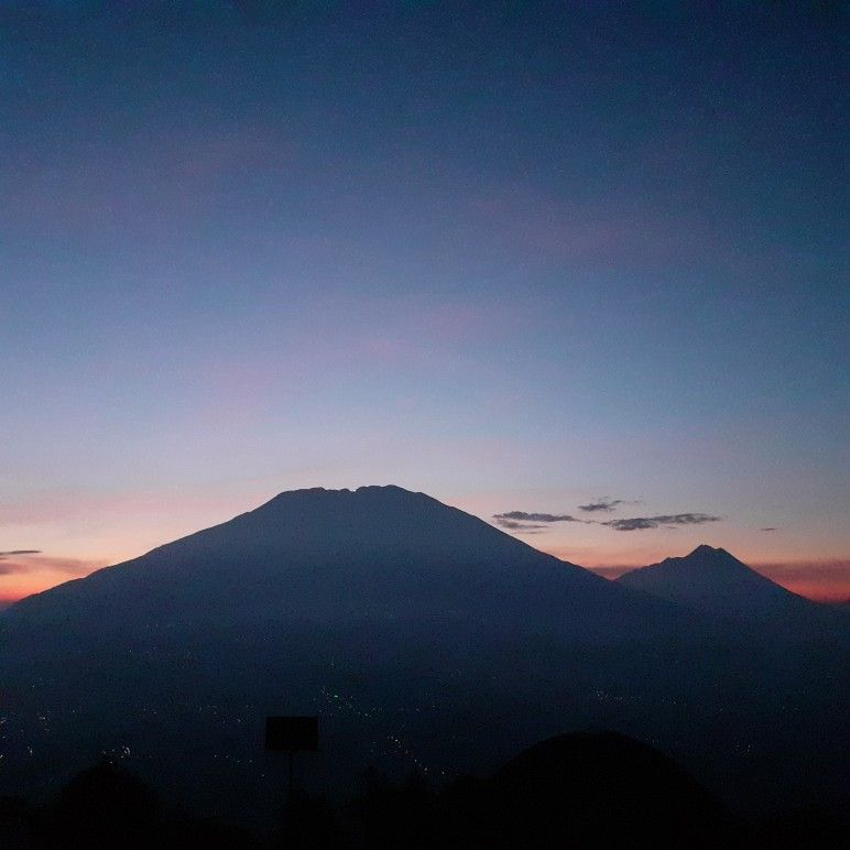 Gunung Merbabu Merapi Di 2020 Pemandangan Pegunungan Andong