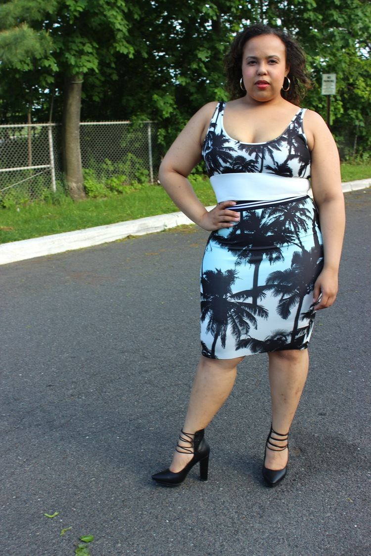 Zara Palm trees set. Crop top. Pencil skirt. Black lace up heels. Plus size fashion blogger. Curvy fashion.