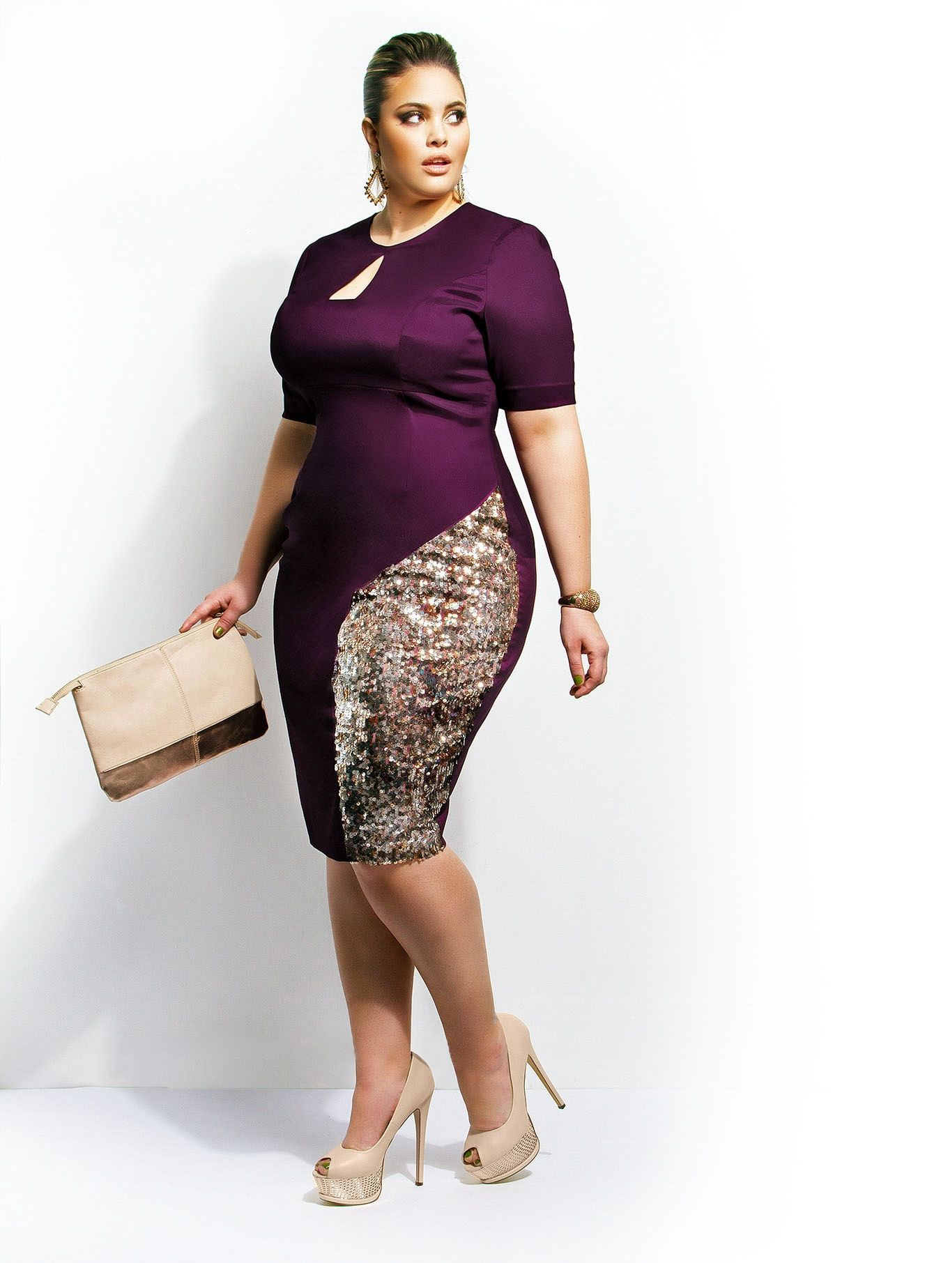 9ea36ffd24b8fb This dress makes it look like the fat on her thigh is trying to escape. No  offense to her, but the dress would be much nicer without the lighter  fabric.