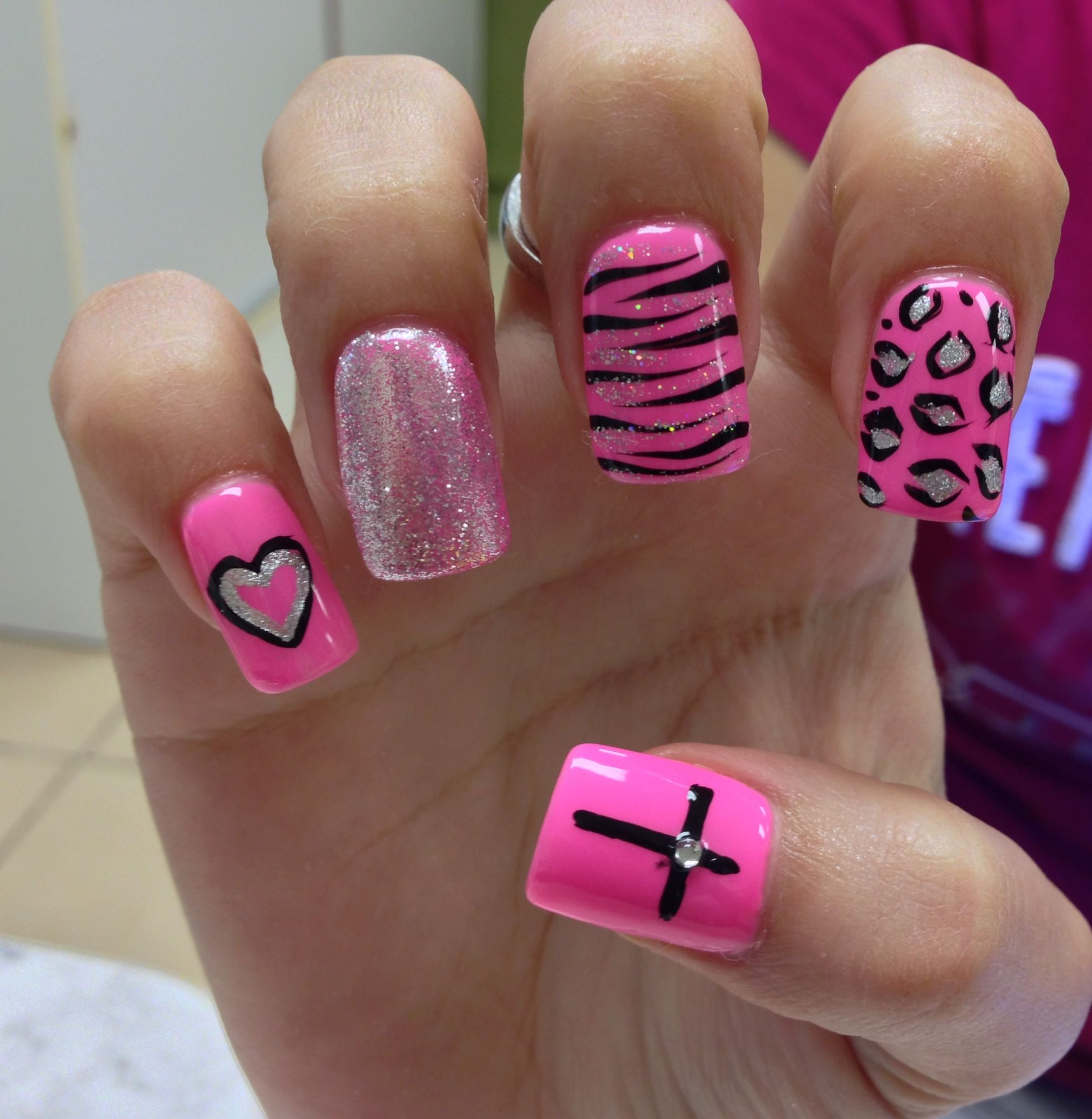 Every nail except for the heart. | Nails!!! | Pinterest | Pink ...