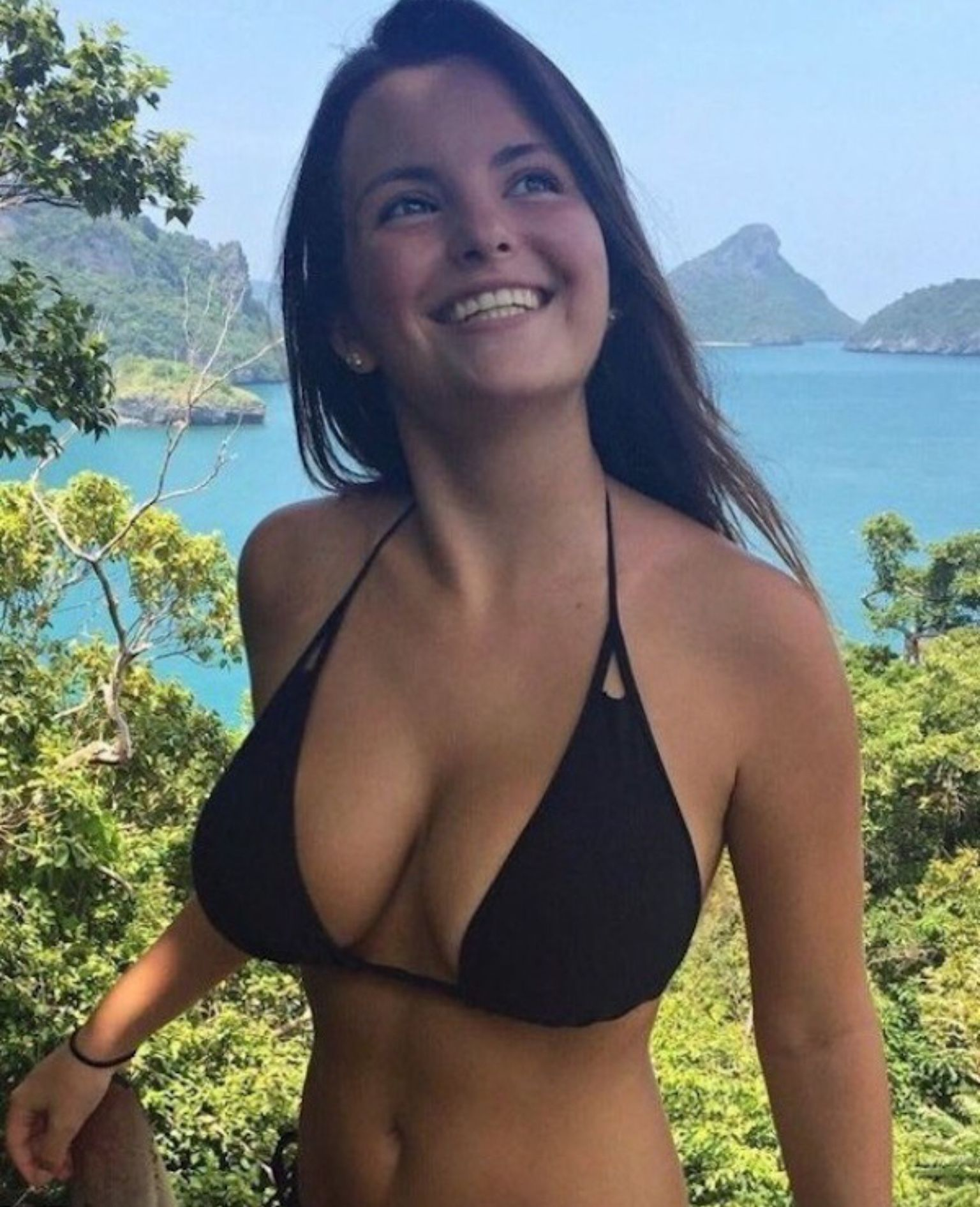 Teen busty bikini Kendall and