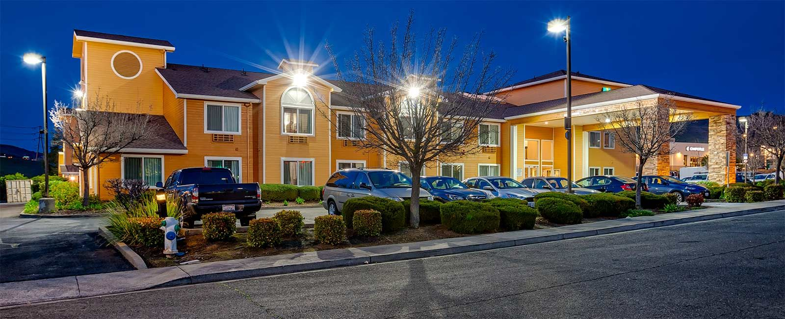 To Grab The Exciting Vallejo Ca Hotels Deals Book Your Stay At Top Rated Quality Inn Vallejo We Give Outstanding Accom California Hotel Hotel Packages Vallejo
