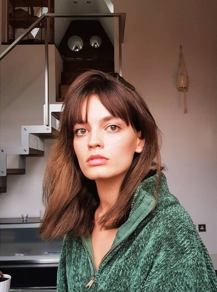 From the Lob to the Shag, These 21 Celebs Look Amazing With Mid-Length Hair -  Mid-length hairstyles: Emma Mackey  - #Amazing #Celebs #Hair #haircutting #lob #midlength #Shag