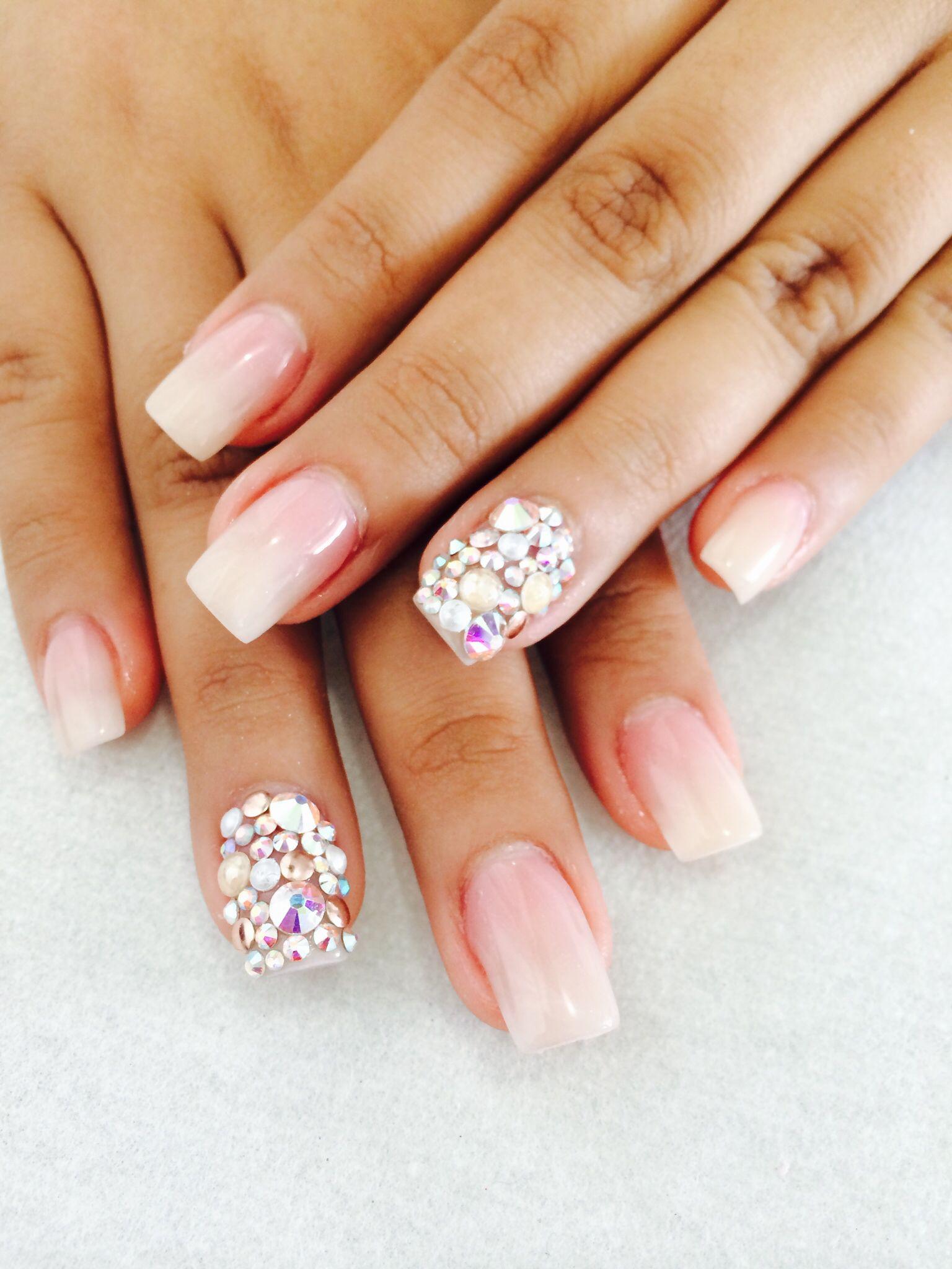 Piedras con perlas nails pretty nails nails y for Unas con piedras swarovski
