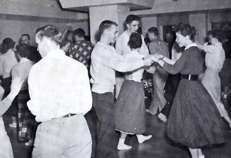 ビンテージのある生活 ビンテージショップ アメリカンウェーブ American Wave 沖縄ロカビリーガール · ボビーソックス1950年代