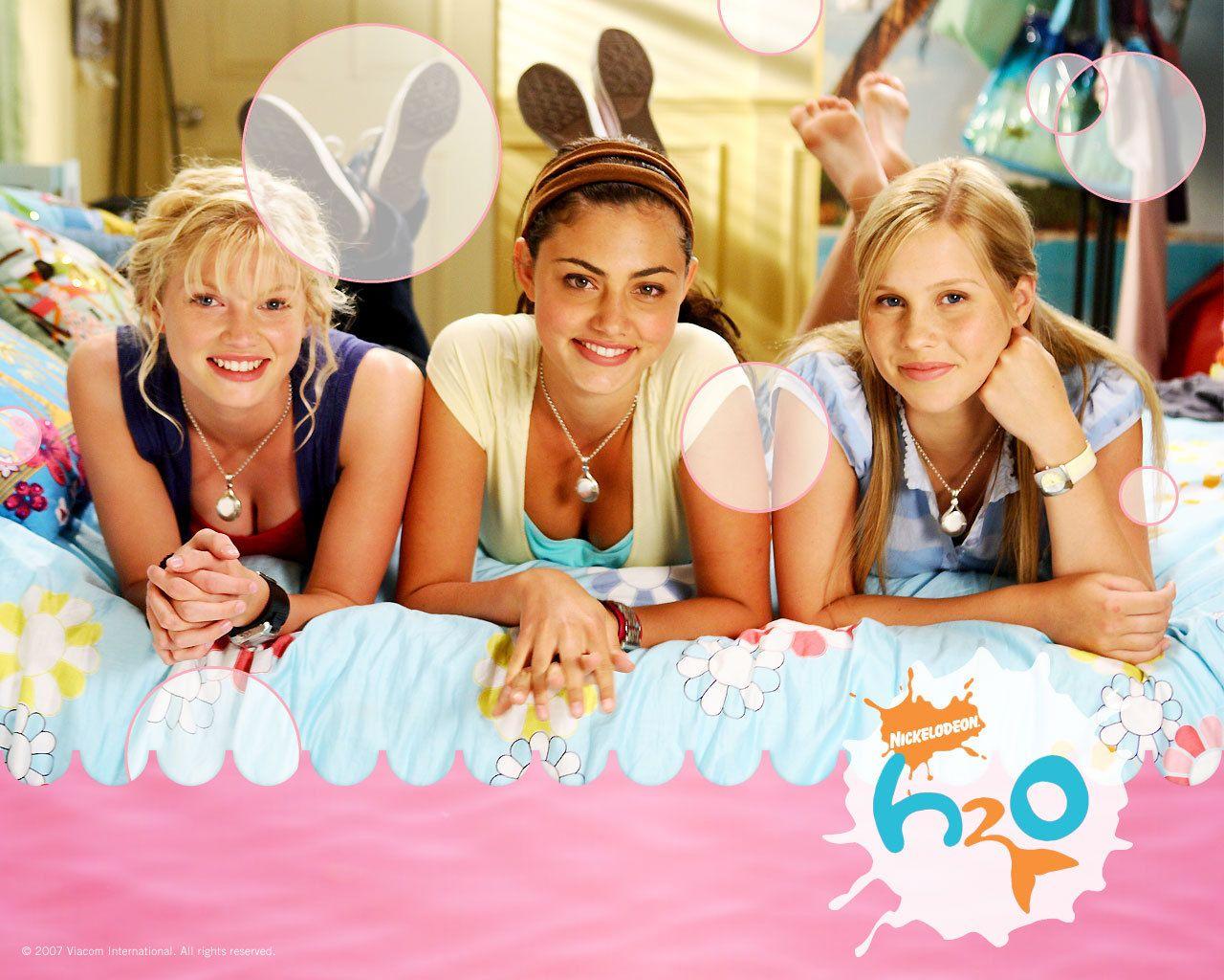 Ausmalbilder H2o Plötzlich Meerjungfrau Emma : H2o Cleo Rikki And Emma There Is Something So Interesting About