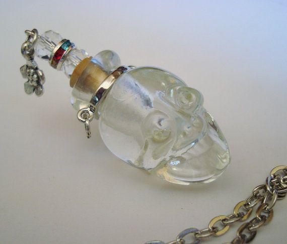 Schädel Glas Skull Parfüm Schiff Halskette von ParadiseFindings