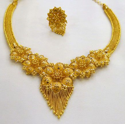 Simple Gold Flower Necklace Bridal Gold Jewellery Gold Necklace Designs Gold Fashion Necklace