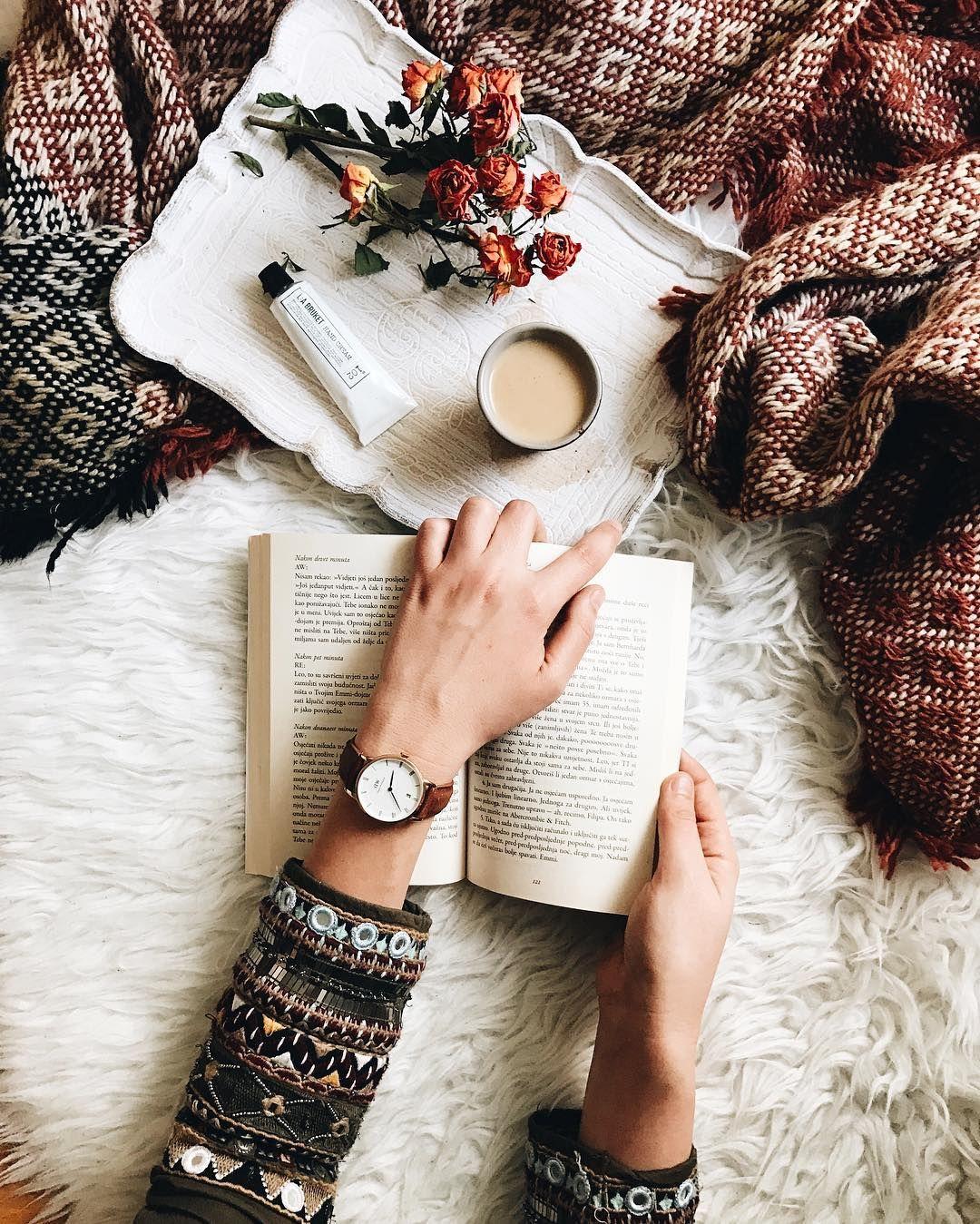 Как сделать красивое фото с книгой