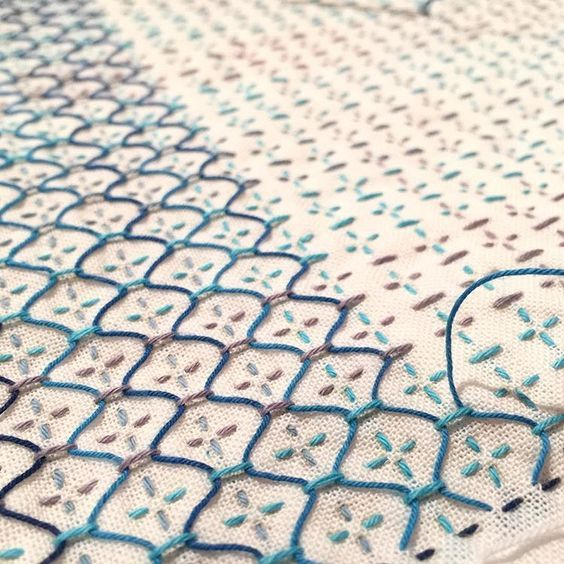 Top or hem of a skirt? | Wow Embroidery | Pinterest | Bordado ...