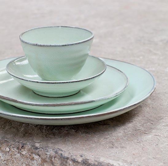 Keramik-Geschirr in Mintgrün