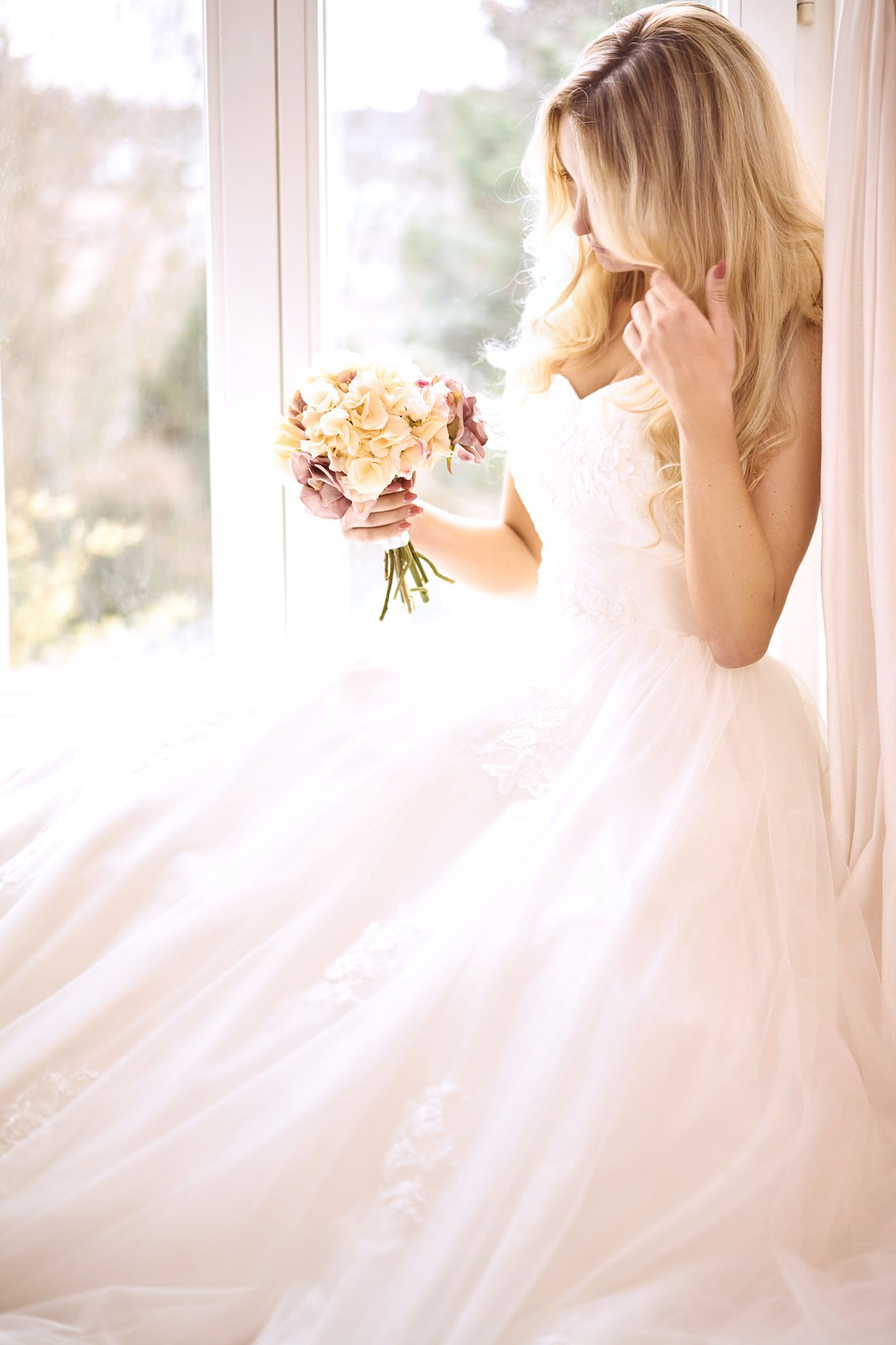 AKTUELLE KOLLEKTION - Finde dein Hochzeitskleid - Sanna Lindström