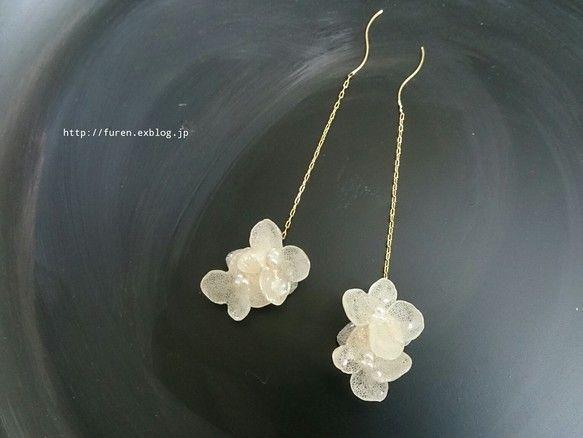 再販多数 揺れるアナベルbouquet アジサイ ピアス イヤリング White フラワージュエリー ピアス 花のイヤリング