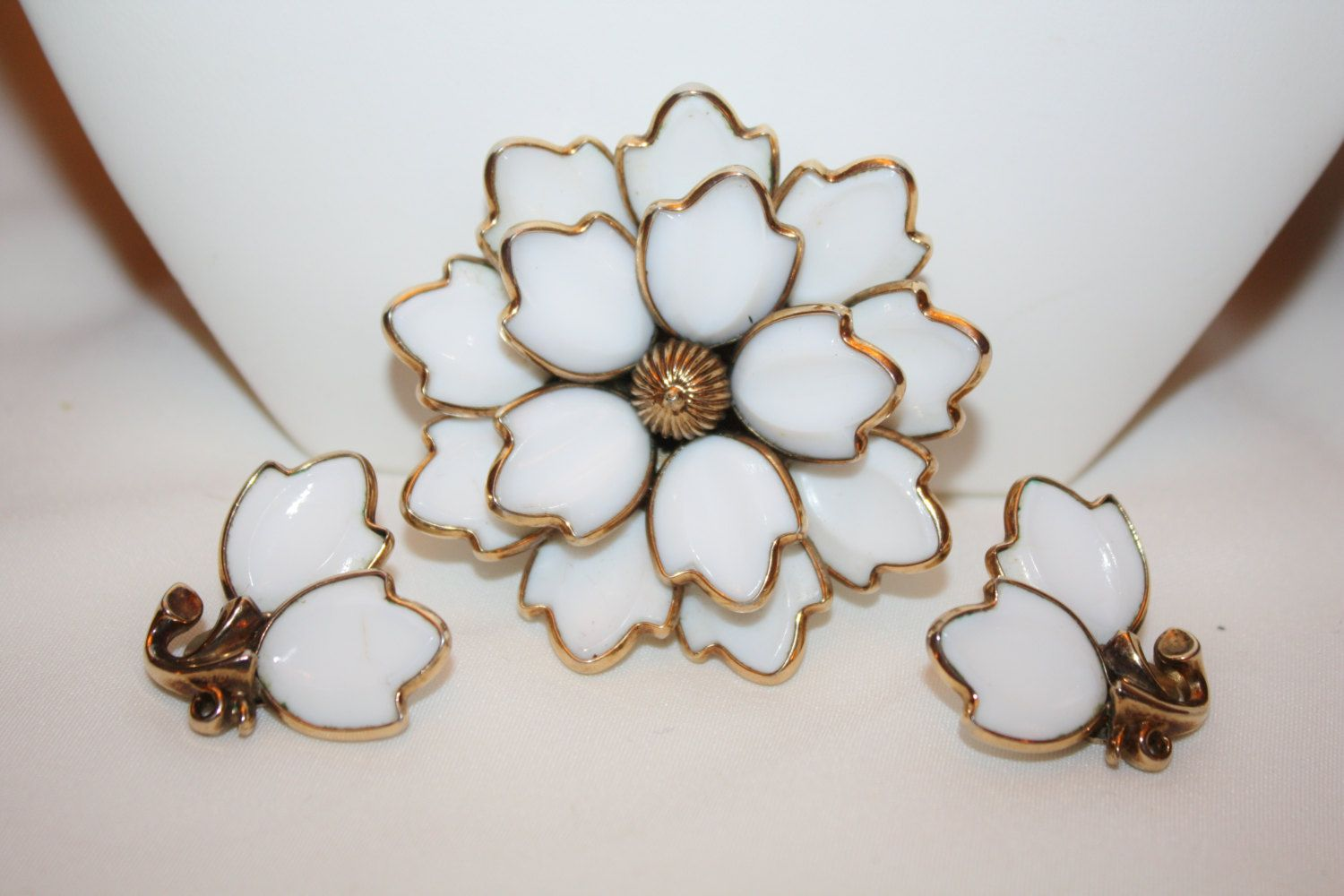 Vintage Trifari Tulip Brooch Poured Glass White Set  1950s Jewelry by patwatty on Etsy