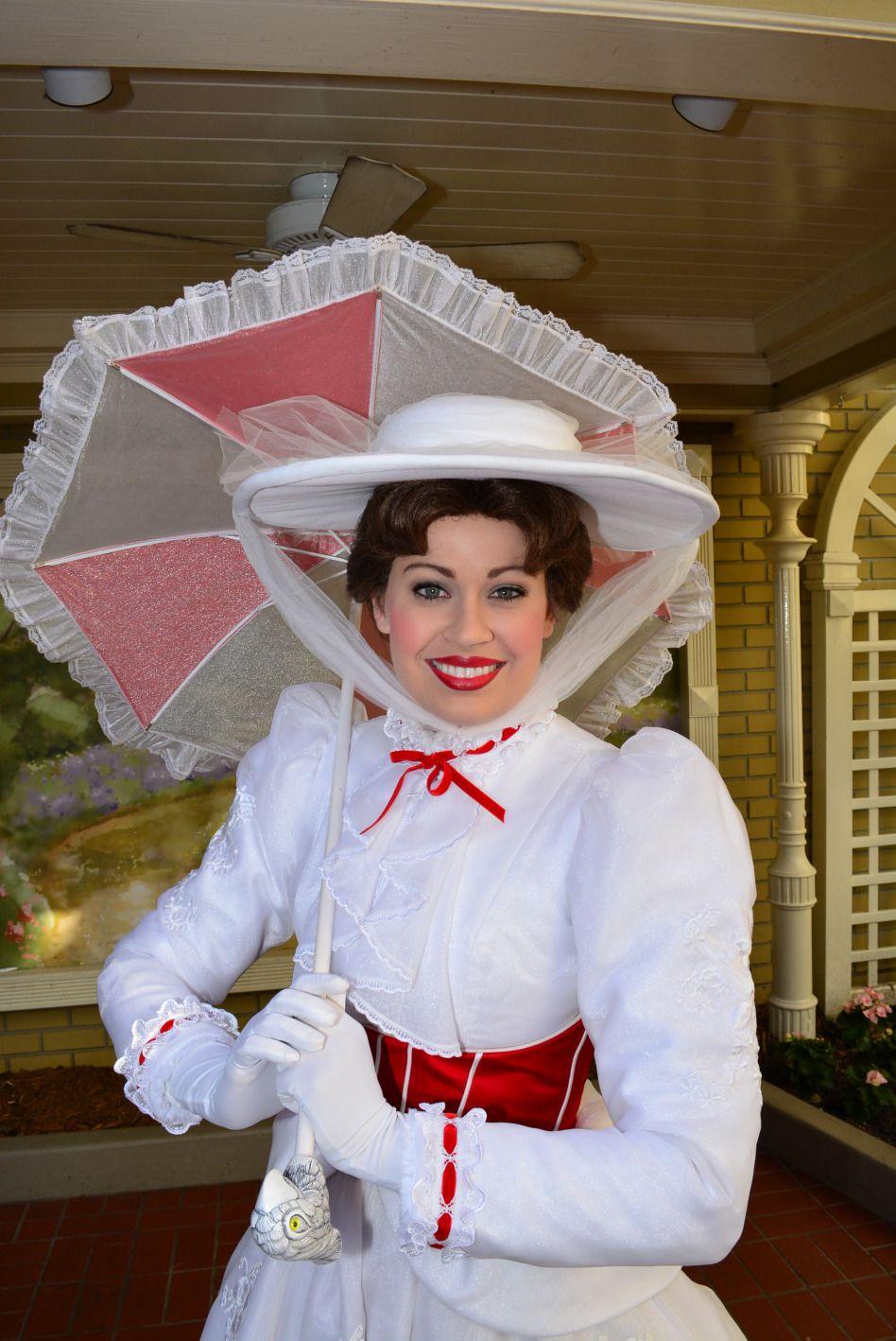 Walt Disney World Magic Kingdom Mary Poppins Town Square Meet