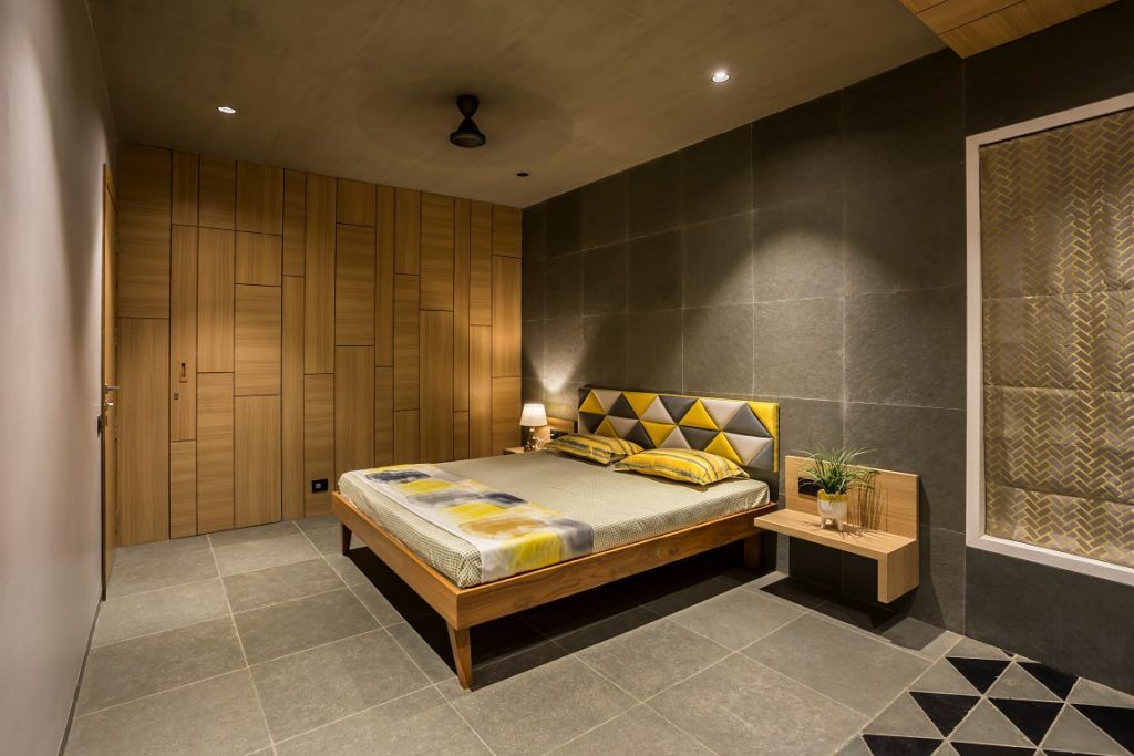 Country House Bringing Nature Into The Built Form Modern Bedroom Interior Kota Stone Flooring Stone Wall Cladding