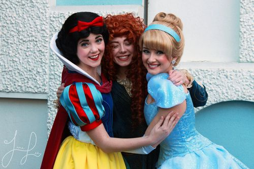 The Original Princesses welcoming Merida into Disney Princesshood! ❤