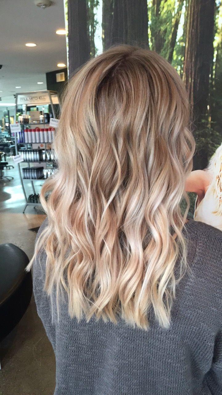 Blonde Balayage Highlights Honey Blonde Beige Hair Styles Blonde Hair Looks Honey Blonde Hair