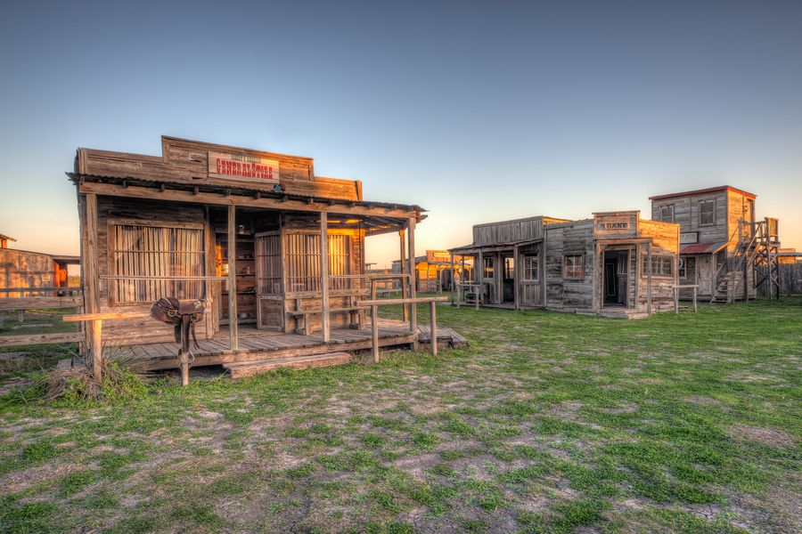 Ghost Town, Manor, Tx | Places to shoot in Austin, TX ... Pictures Abandoned Places In Spanje
