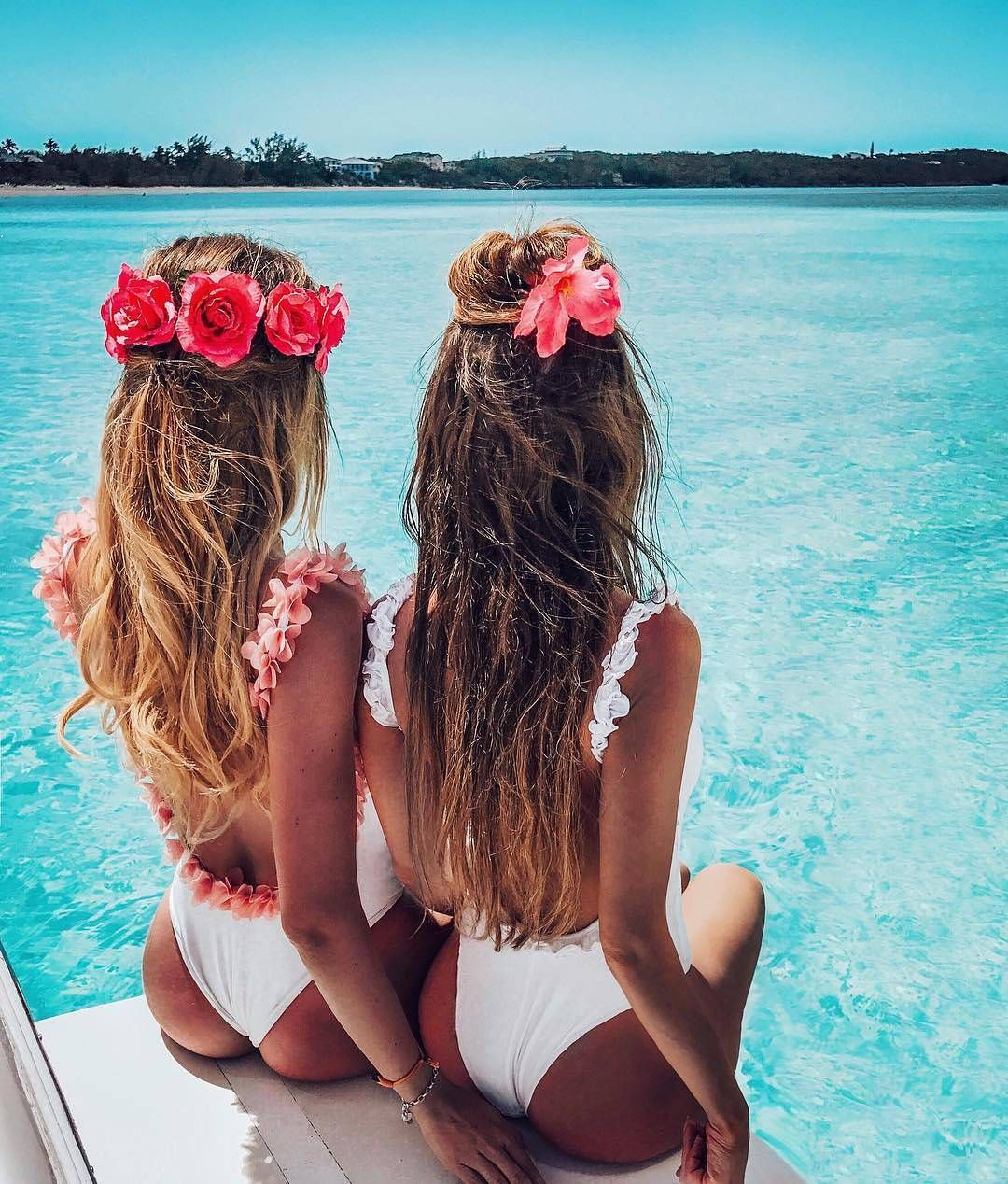 beach hair style ideas | long hairstyles | loose waves curls | natural | boho | half up half down